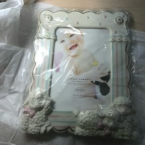 Lazy lamb picture frame
